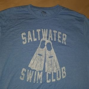 Izod saltwater club t-shirt.